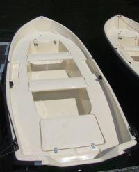 Viel Platz für 3 Personen bieten die neuen Leihboote!